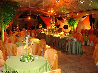 festa havaiana em um salão