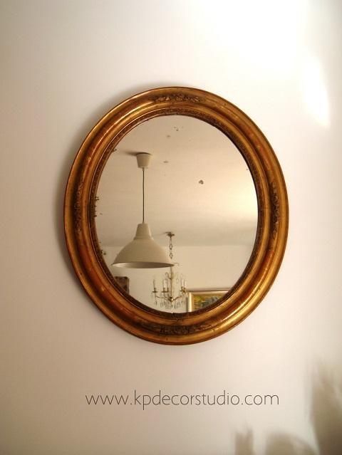 Comprar espejo dorado antiguo para decoración clásica.