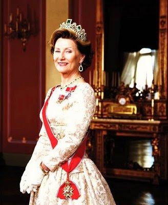 Joyas de la familia real Noruega Queen%2BSonja%2B-Norway