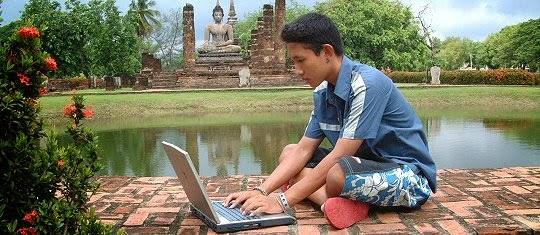 Gor a student, columnist, webmaster, drug addict, father and prisoner