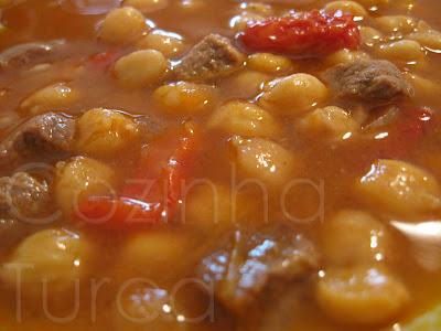 Estufado de Vitela e Grão-de-bico (Etli ve Nohutlu Yahni)