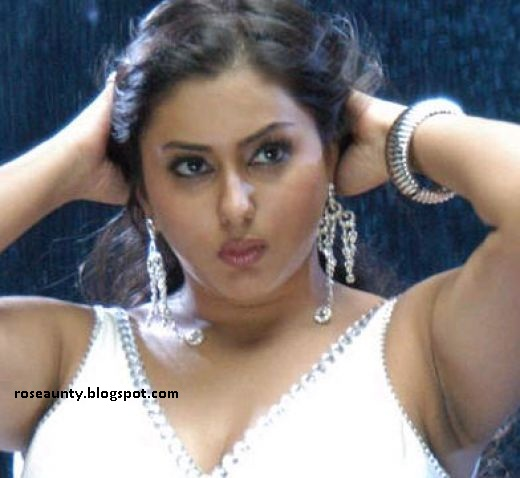 south indian actress Namitha cute face shoot sexy image gallery