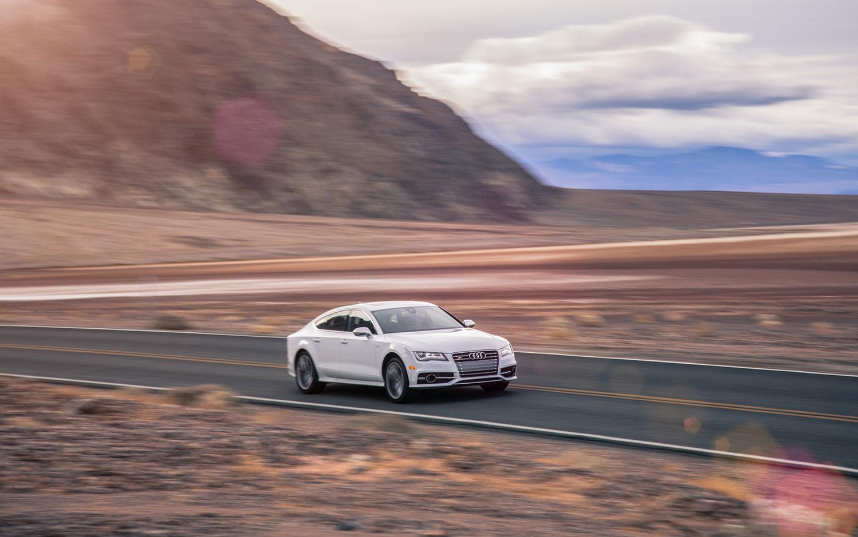 FUTURE CARS MODEL Audi S Vs BMW I Gran Coupe Vs - Audi s7 vs bmw 650i gran coupe