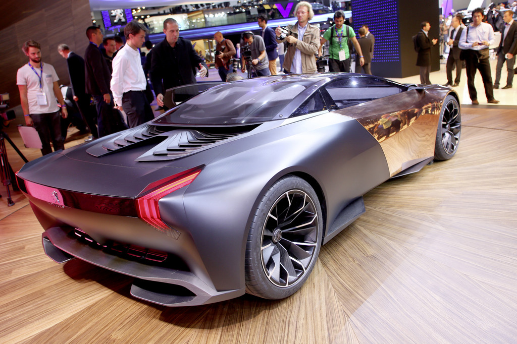 Captivating The Concept Of A Super Sports Car Presented On The Peugeot Open To The  Public From Tomorrow Paris Motor Show 2012. The 4.65 Meter Long Onyx With  20 Inch ...