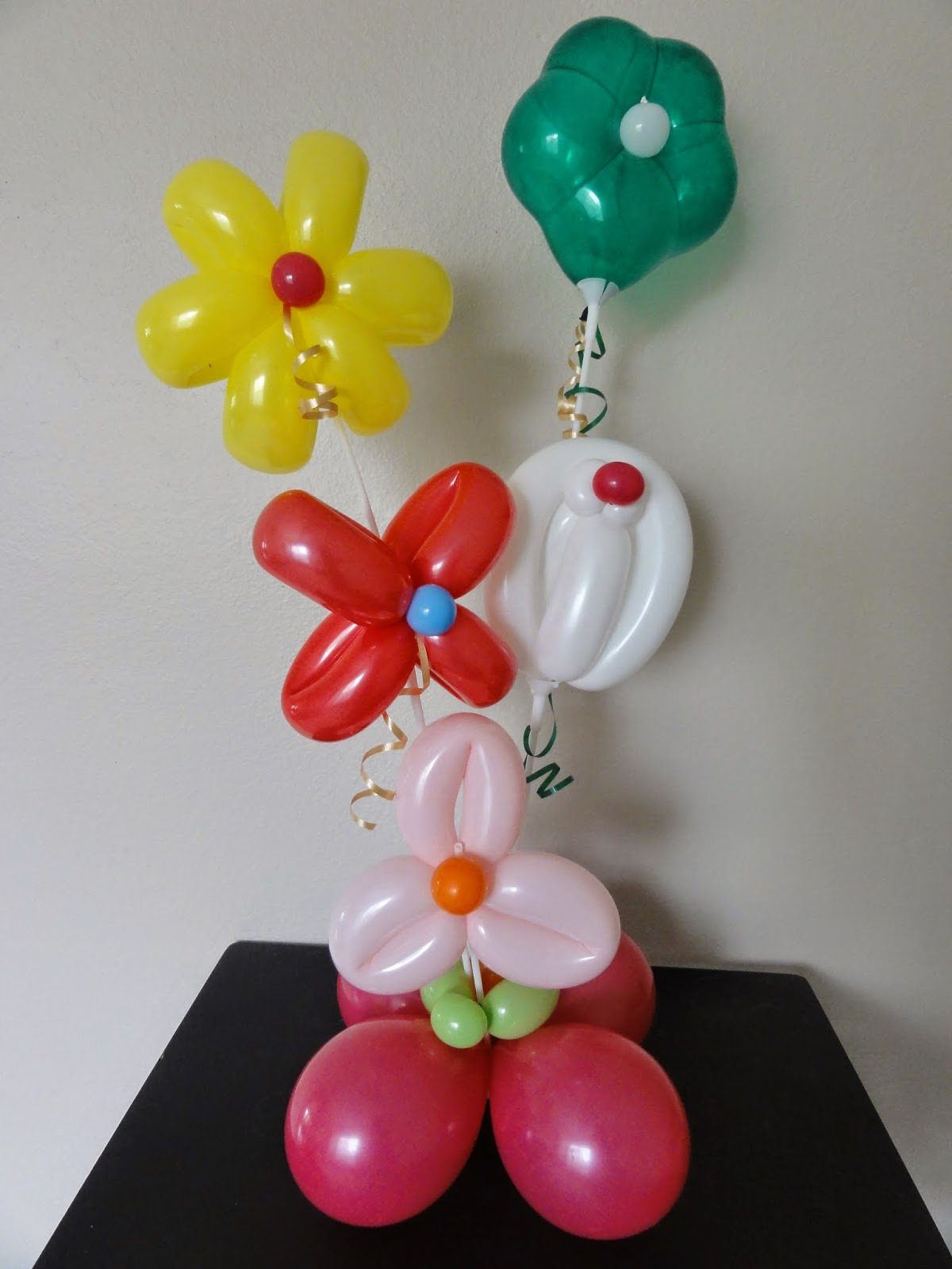 Balloon arch balloon ideas balloon decorations outdoor decorations - Santo Diamond Balloon Design April 2014