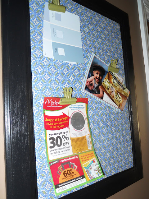old-cabinet-door-turned-magnetic-memo-board