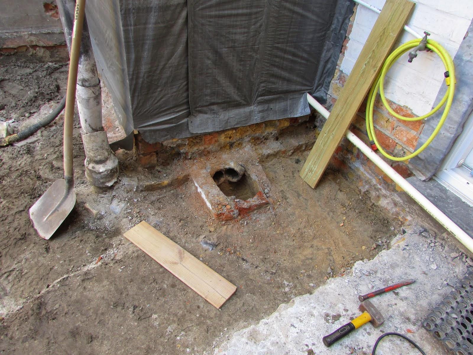 Tegels Badkamer Uitbreken : Verbouwing van ons ouderlijk huis: koer uitbreken dag 4