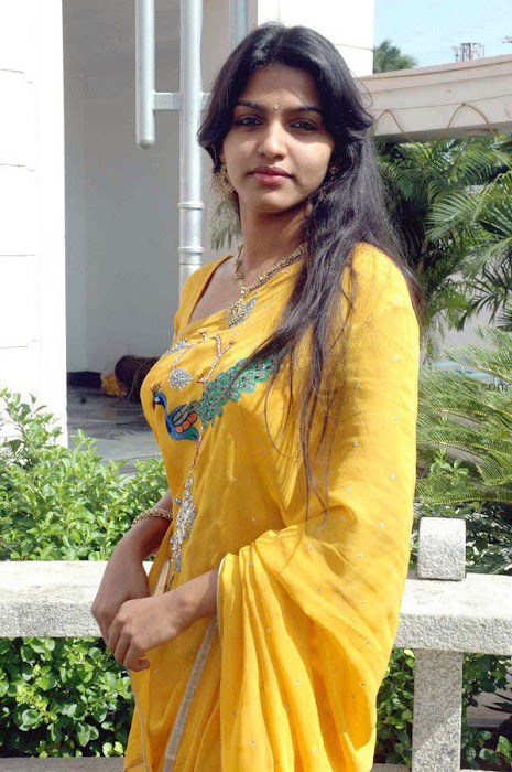 dhanshika photo gallery