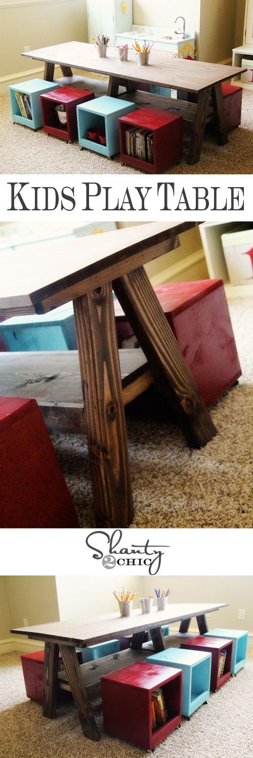 Mesa e banquetas de madeira reuso madeira
