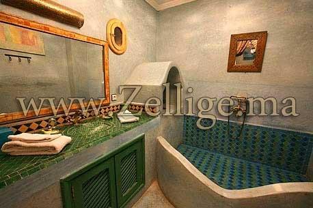 2013 formidable hammam en zellige hammam marocain for Salle de bain hammam