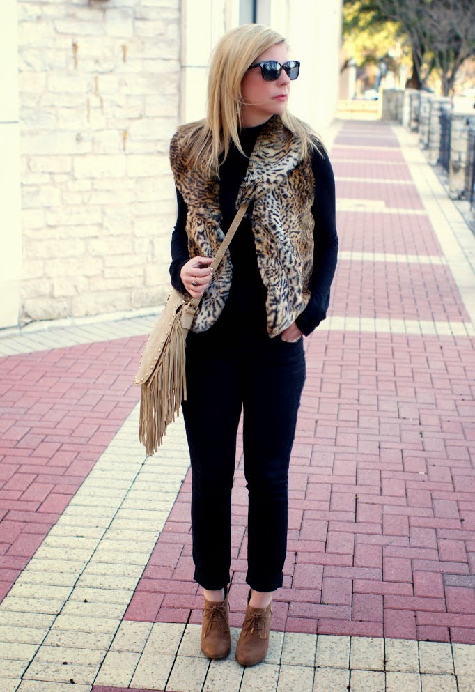 Black, tan and leopard outfit idea