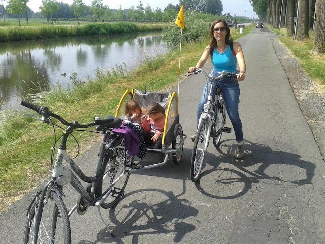 Paseando en bici por Brujas