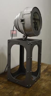 Lampe design industriel à poser
