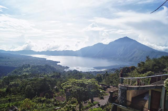 Vistas desde Penelokan a Gunung Batur
