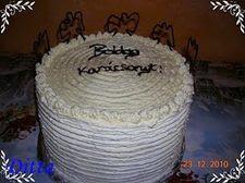Tejszínes erdeigyümölcsös torta