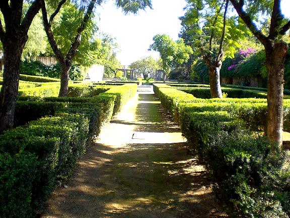 Joyas de la ecovilla jardines de forestier y palacio de - Jardines del eden sevilla ...