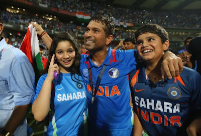 http://1.bp.blogspot.com/-nwtzHiyqksI/TZ_sv7eITeI/AAAAAAAAPyU/VTYLLLlXFJw/s1600/Sara-Tendulkar-Arjun-Sachin-Tendulkar-World-Cup-Final-Photos-3.jpg
