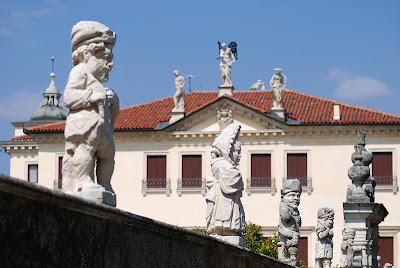Una Famosa Villa Di Roma Cruciverba