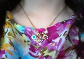 moda estilo corte costura saia lápis blusa trabalho look do dia bijoux