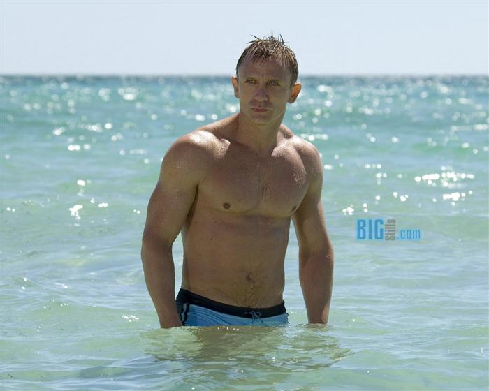Daniel Craig insured his body for 5 million pounds