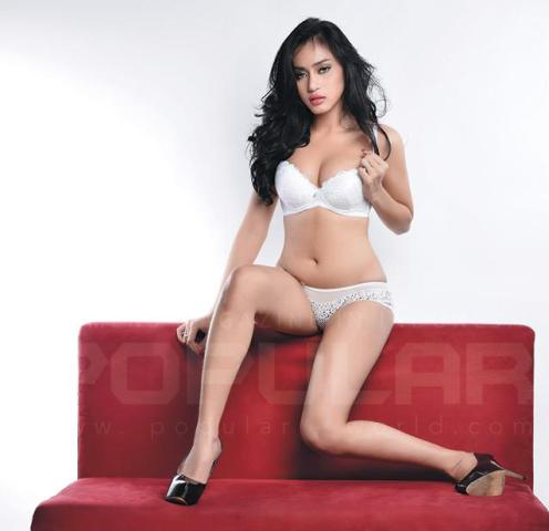 Download Koleksi Foto Sexy Hot Angel Aquila, Model Sexy Popular-World Edisi Januari 2015 | www.insight-zone.com