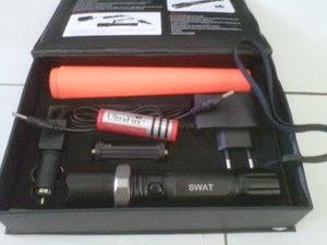 Senter POLICE SWAT 98000 Watt Kompas Senter Led Sangat
