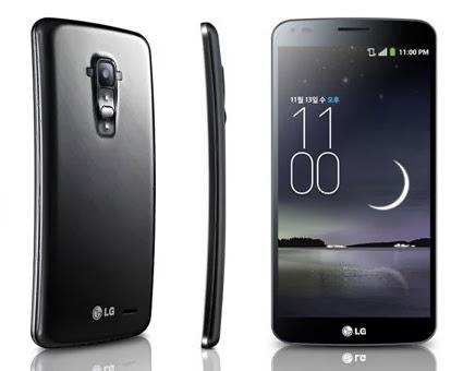 Ufficialmente il nuovo smartphone con display flessibile/curvo Lg G Flex arriverà in Italia da febbraio 2014 a prezzo di 899 euro tramite Vodafone