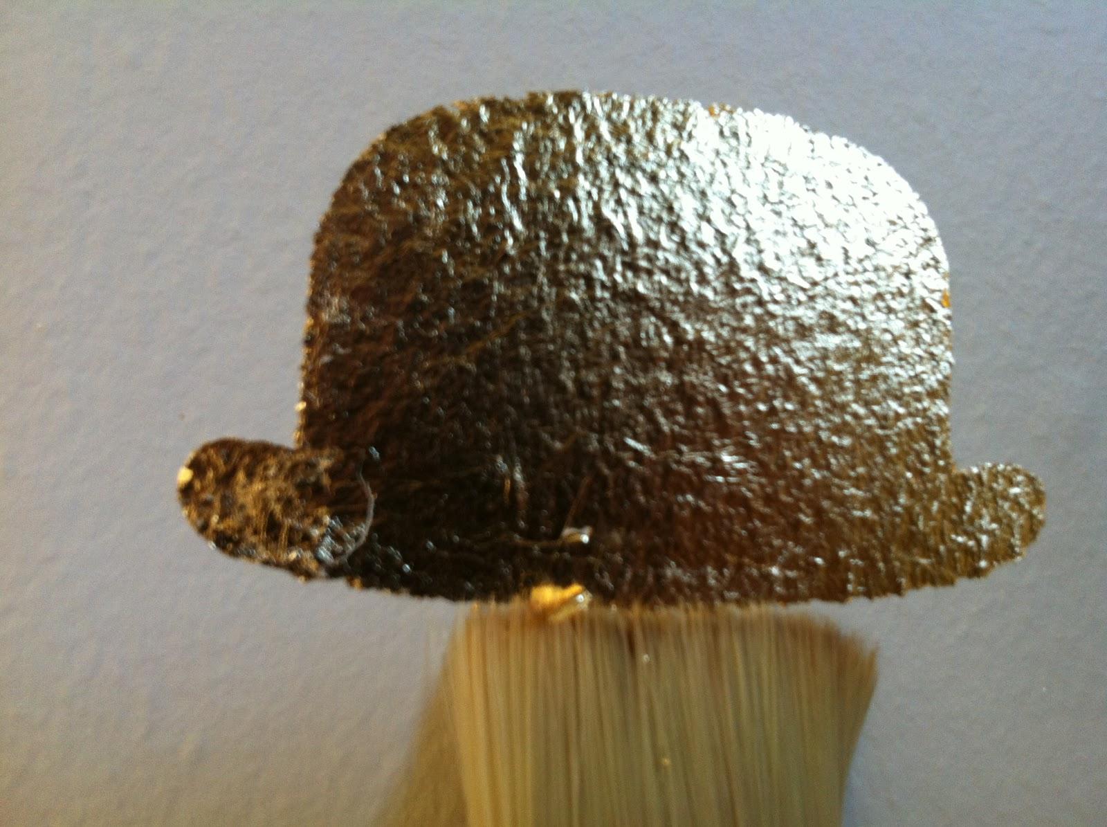 http://1.bp.blogspot.com/-nxTNlOFxzMo/UEeJwEd3HgI/AAAAAAAABkk/2u4YeST7ts0/s1600/12+Golden+bowlerhat+wallpaper.JPG