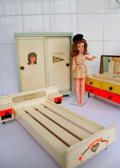 Ana caldatto cole o mini m veis boneca susi for Mobilia anos 60
