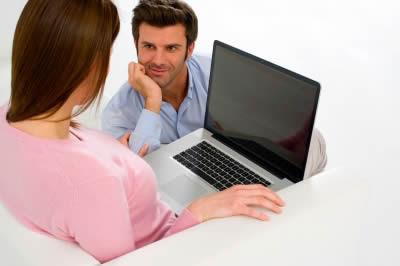 un romance en el trabajo, ¿es conveniente?