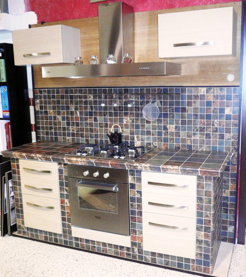 Esempi di cucine in muratura simple great immagini di for Esempi di cucine in muratura