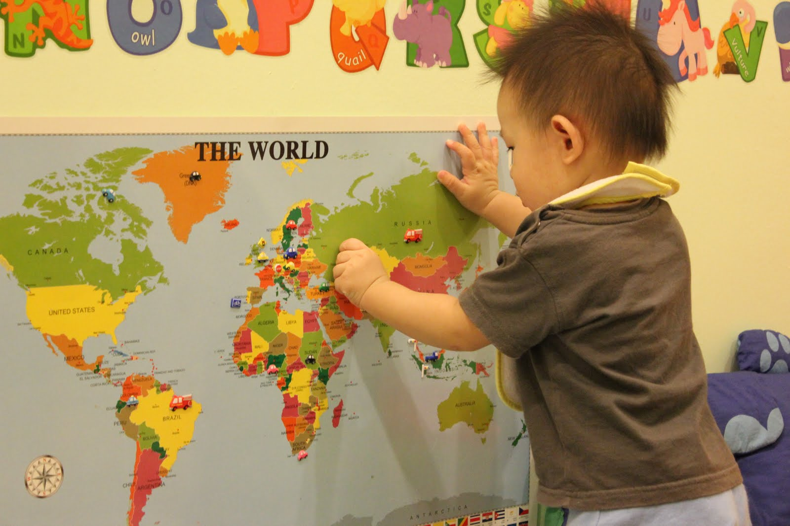 Little tiger growing up map and continent lesson for toddler basically we will learn about the countrys flag and ill download a few powerpoint presentations from httpbrillkids to expose tiger to the gumiabroncs Image collections