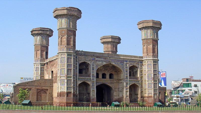 Jhangir Tomb, Check Out Jhangir Tomb : cnTRAVEL