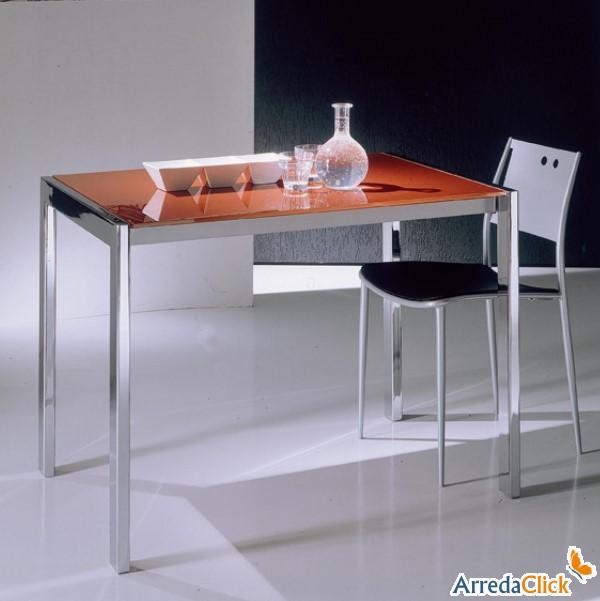 Tavoli allungabili per piccoli living con grandi for Tavoli piccoli allungabili