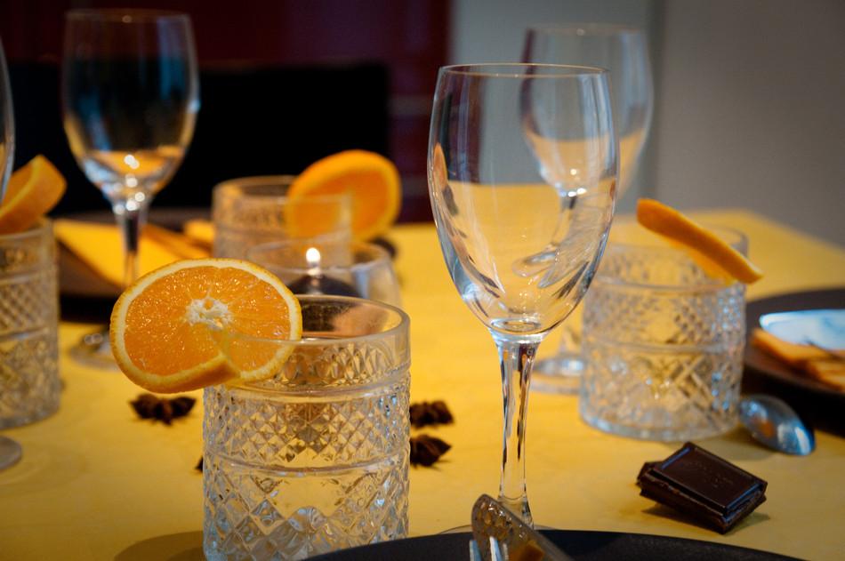 ma d co passe table chocolat et orange. Black Bedroom Furniture Sets. Home Design Ideas