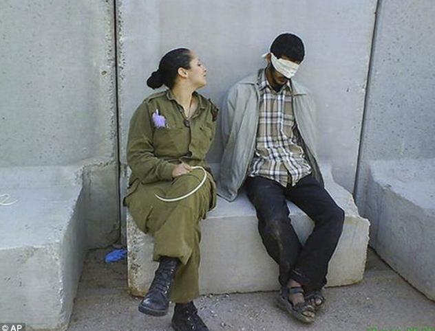 Gambar S.3.K.S.1 Tentera Wanita Israel Di Kecam