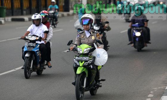 Foto: Polisi Wanita (Polwan) Berjilbab di Banda Aceh