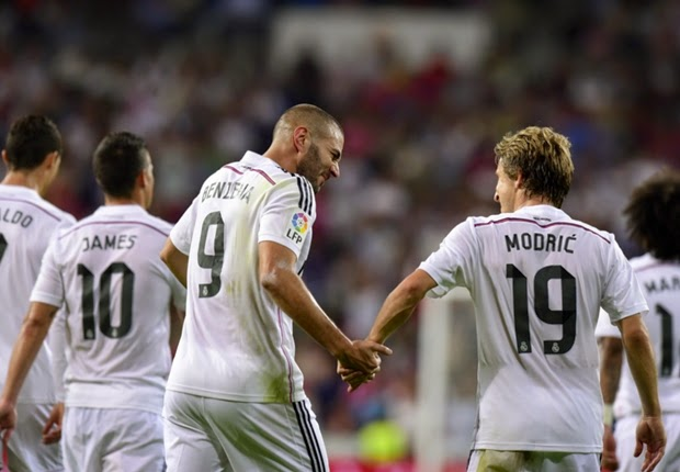 Selebrasi Benzema setelah Mencetak Goal.