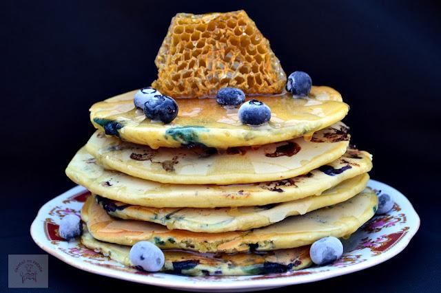 Clatite americane (pancakes) cu afine