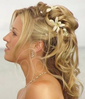 Labels: Half Up Half Down Wedding Hairstyles