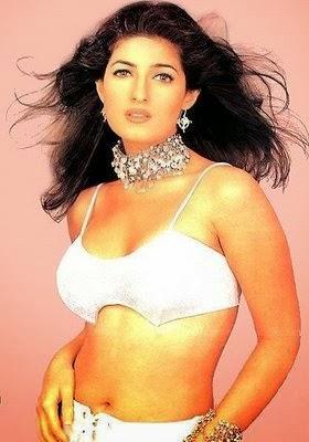 Twinkle Khanna navel