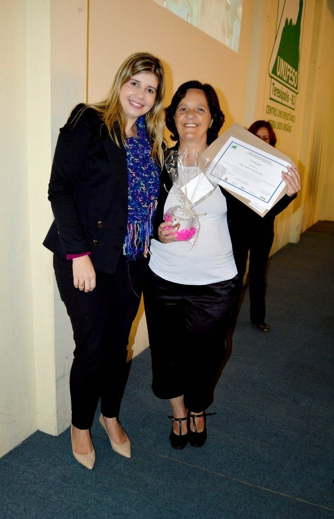 Com o certificado em mãos, a  produtora de eventos Olga Sueli está animada