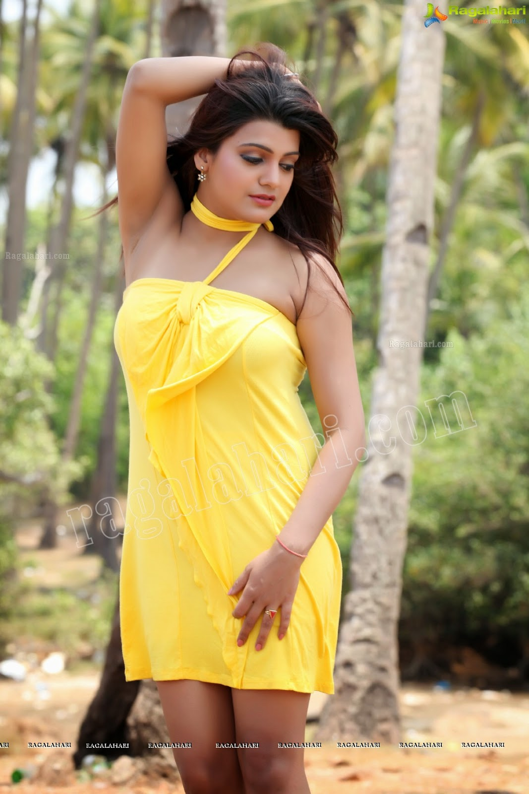 Tashu Kaushik Hot Armpit Show in a mini Sleevless Dress