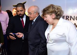 ECONOMIA Governador José Melo lança aplicativo do Procon Amazonas com orientações aos consumidores e guia de preços dos combustíveis