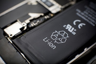 Perbedaan Baterai Removable dan Non-Removable