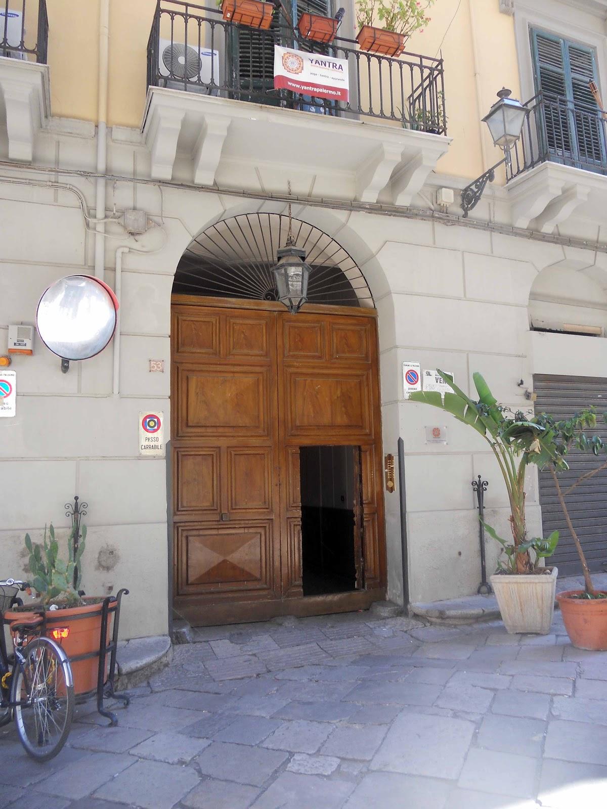 Casa in centro a palermo for Appartamento centro storico palermo