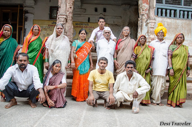 3 generations of pilgrims at Hampi Temple