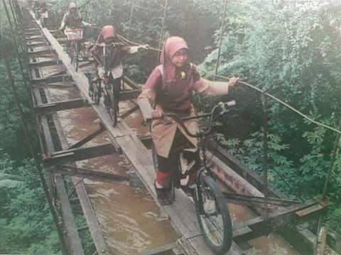 jembatan saluran air yang dibahas di Media Indonesia