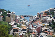 Another Cinque Terre Photo. Click. It's worth it. I left the original photo . (cinque terre)