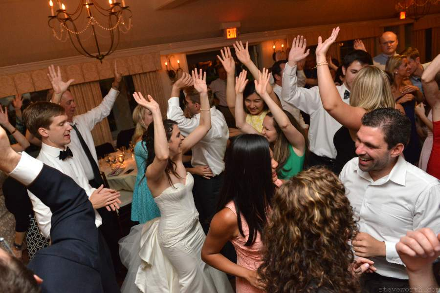 Crowded Dance Floor - Three Village Inn Stony Brook